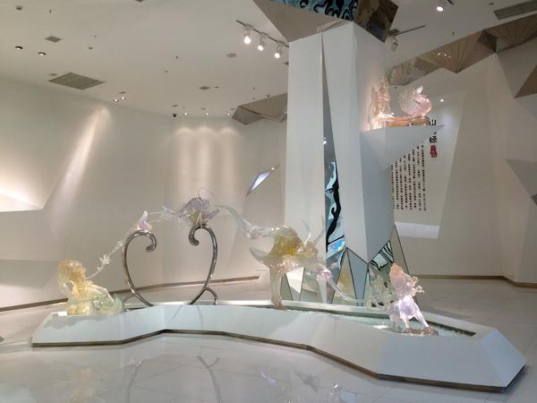 大型水晶雕塑组三海经1
