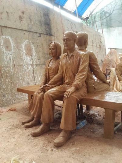 老年夫妻 青年夫妻 雕塑泥塑