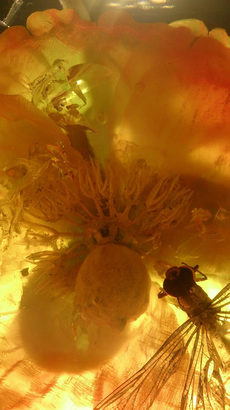 鲜花琥珀 动物琥珀 水晶雕塑 透明雕塑 玻璃雕塑 亚克力雕塑_4.JPG