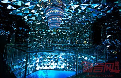 大型透明雕塑实体雕塑水晶雕塑