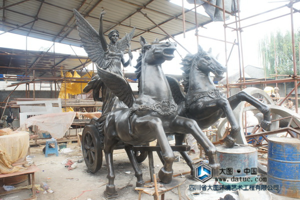 西安飞马人物铸铜雕塑