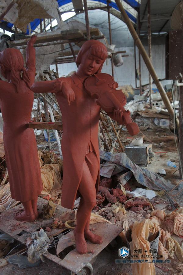西安 拉小提琴的女孩 铸铜人物雕塑 泥塑