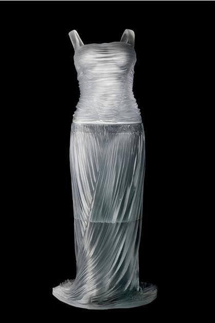 水晶服装秀 水晶时装秀 水晶展柜服装 水晶展柜时装 水晶雕塑定制