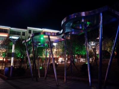四川不锈钢廊架雕塑 四川不锈钢雕塑 四川雕塑设计 四川广场雕塑设计 成都雕塑厂