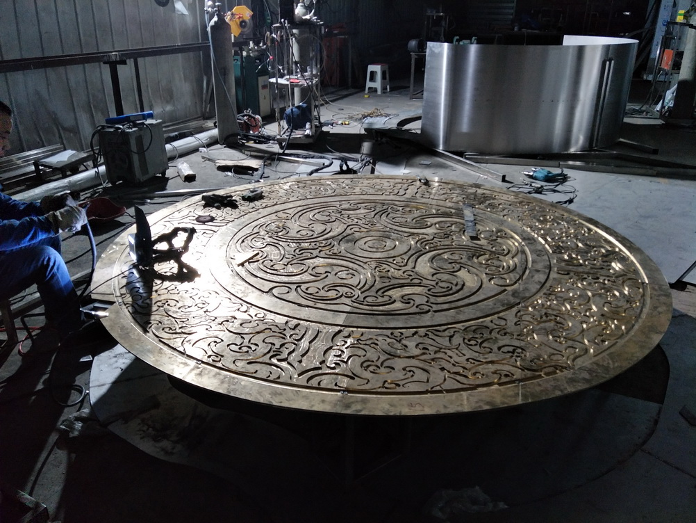 镶绿松石 彝族 传统文化 地面 铸铜浮雕_3.jpg