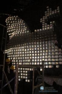 全国最大透明实体水晶雕塑施工现场
