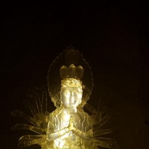千手观音佛像  透明水晶实体雕塑